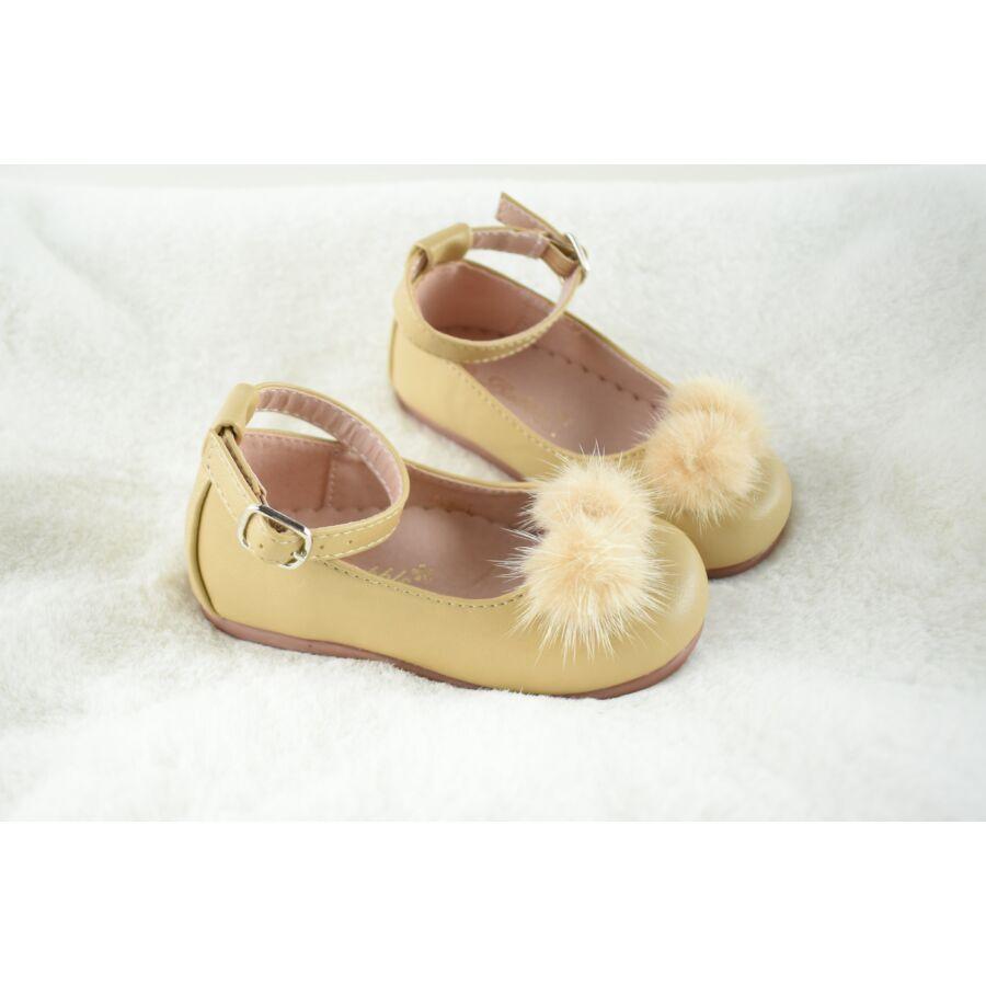 LUNA bézs alkalmi mübőr pomponos pántos cipő