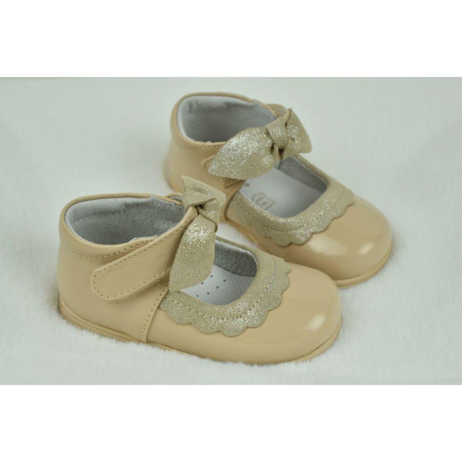 VIVIR bézs alkalmi lakkbőr kislány cipő masnival - tépőzáras