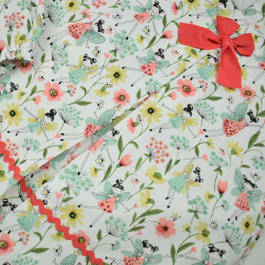 Tündéres, virágos masnis ruha pelenkatartó bugyival